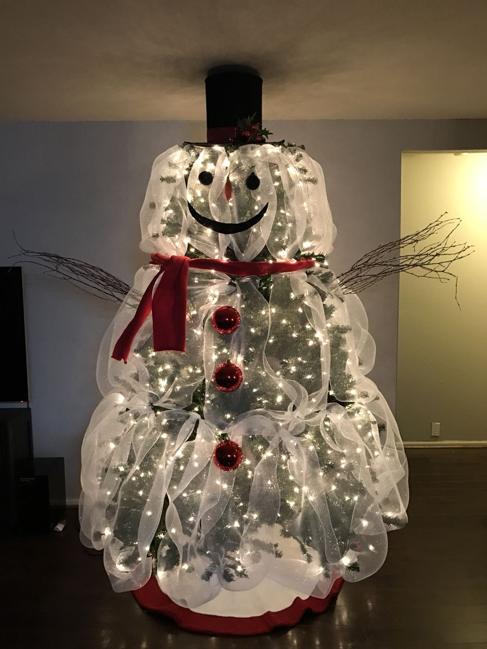 My Frosty The Snowman Christmas Tree Snowman Christmas Decorations Snowman Christmas Tree Christmas Tree Themes