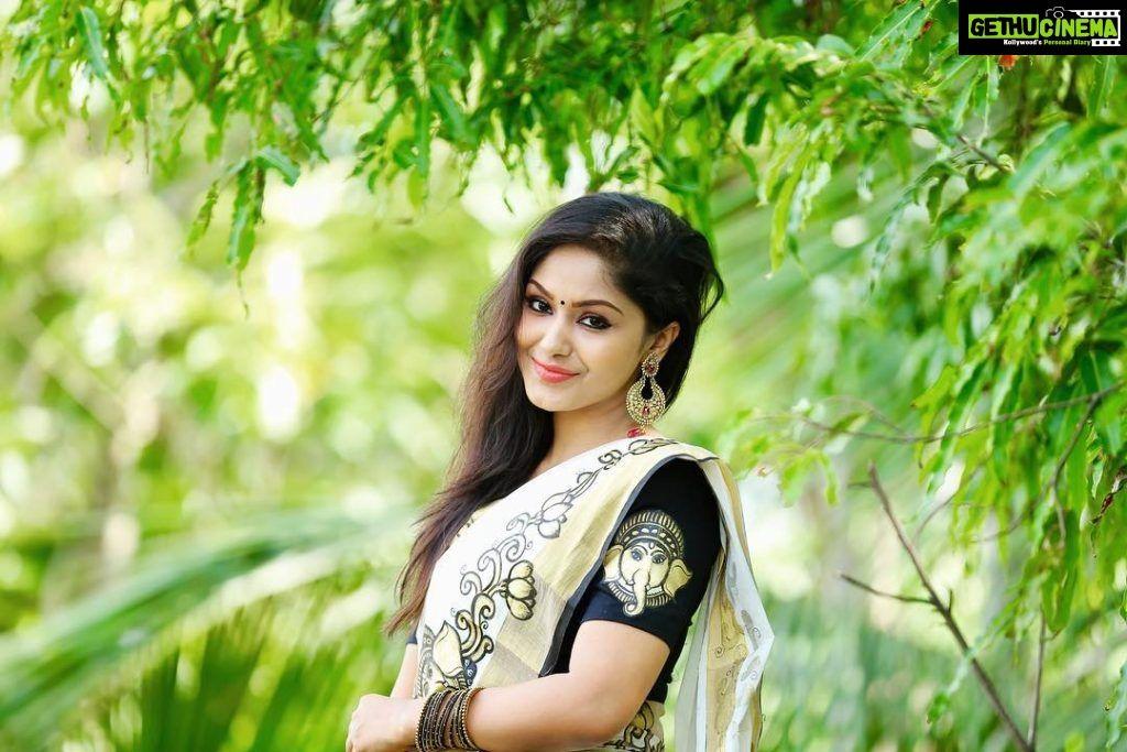 Actress Shritha Sivadas 2019 Latest Hd Pictures Dhilluku Dhuddu 2 Gethu Cinema South Indian Actress Dehati Girl Photo Actresses Kerala hd wallpapers for mobile