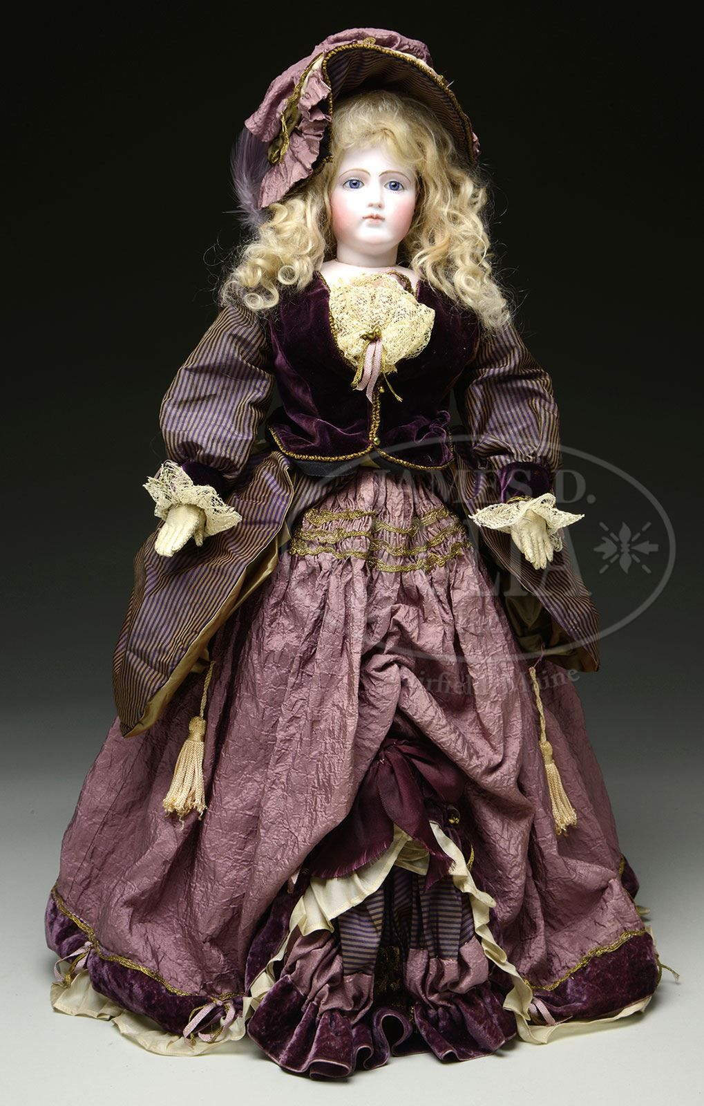 LOVELY FASHION DOLL ATTRIBUTED TO JUMEAU.
