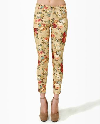 Blossom and Jetsam Beige Floral Print Ankle Jeans - wish I could pull these off!