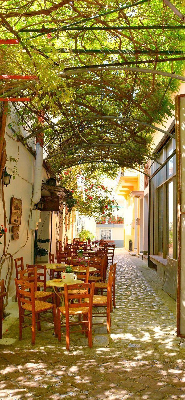 Courtyard cafe, Outdoor cafe, Unique cafe, Vintage cafe
