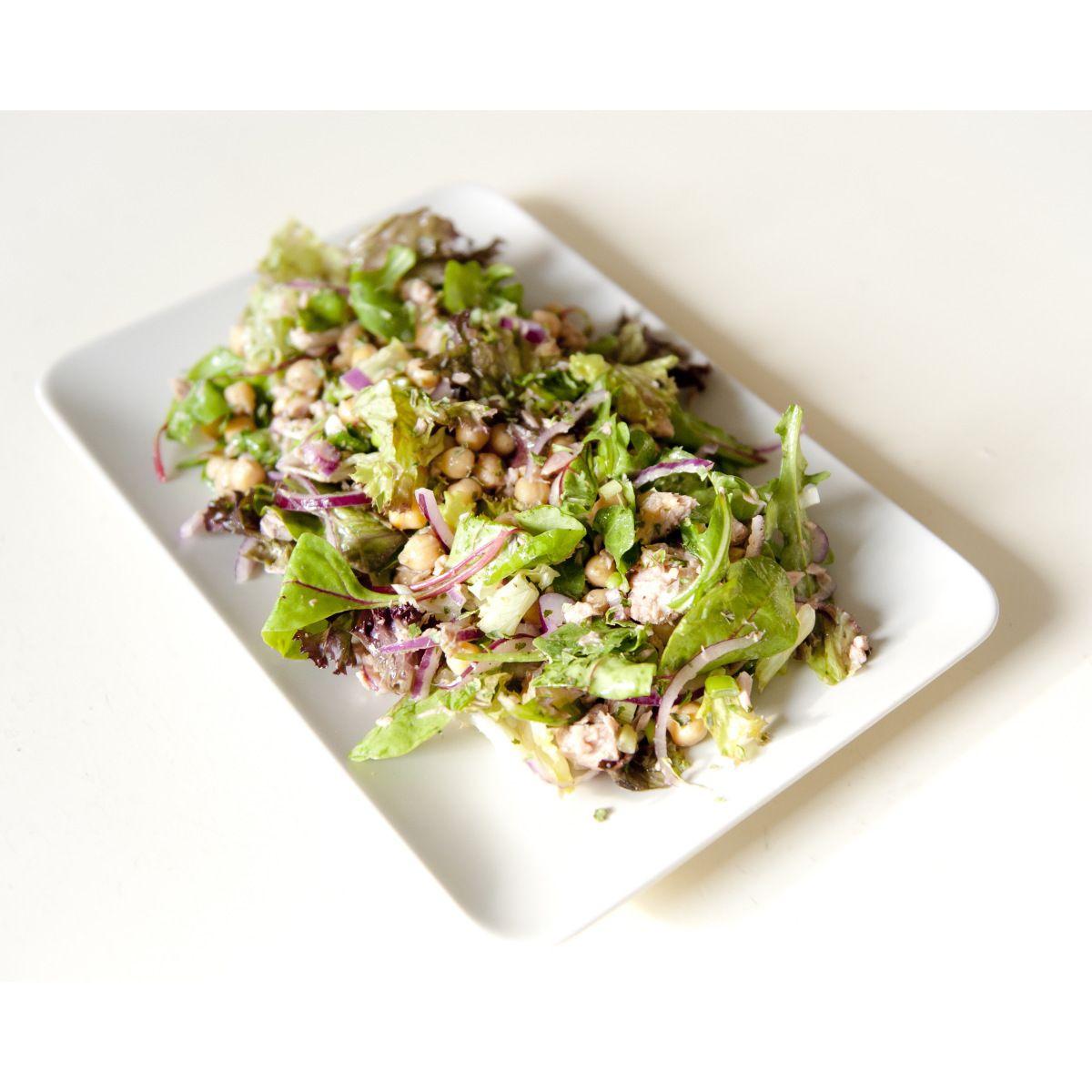 Super snelle salade kikkererwten en tonijn