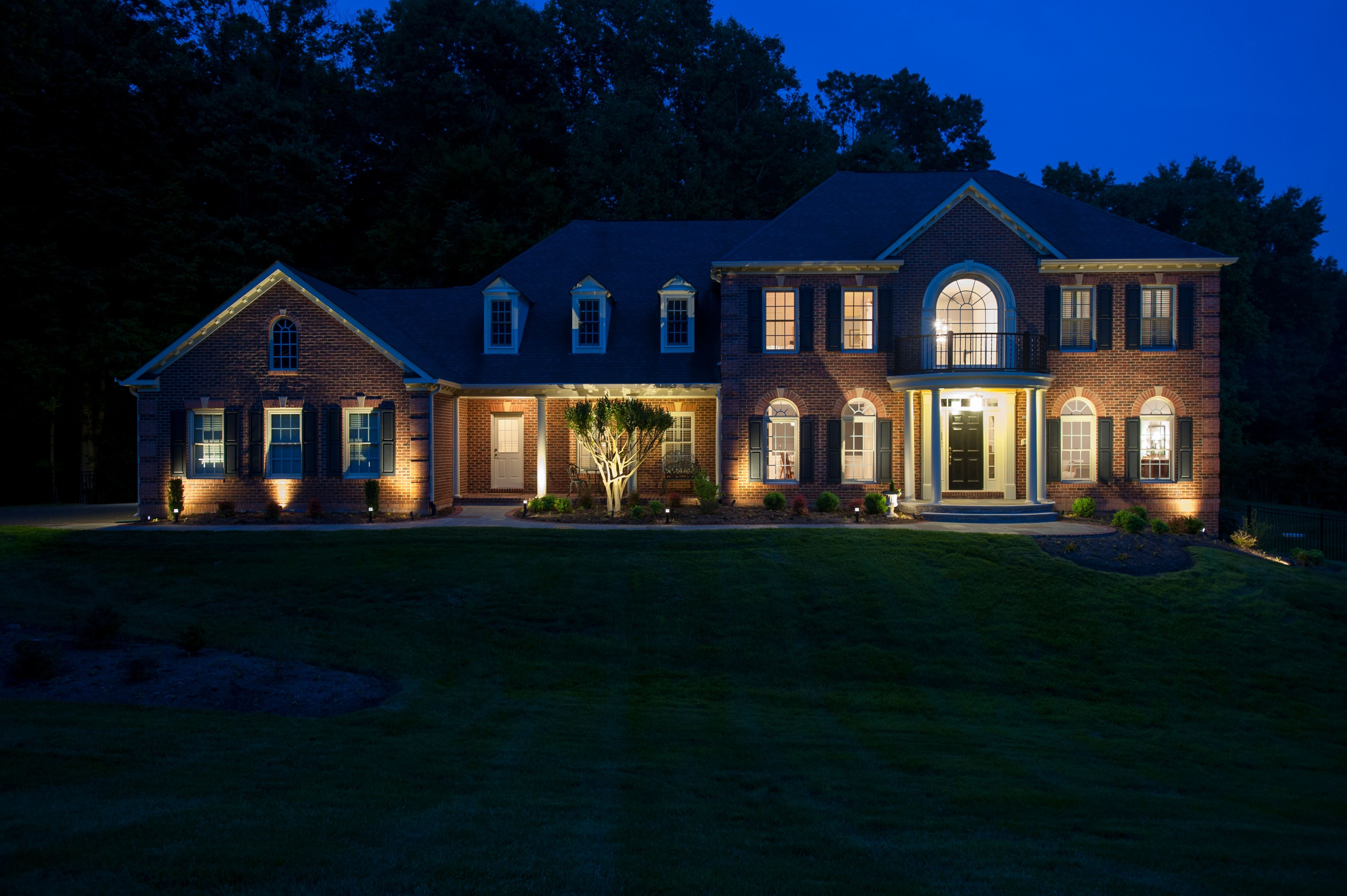 Low Voltage Lighting Packages What S Best For Your Outdoor E Fixtures And