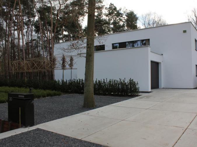 Referenties residentieel betonnen vloerplaten boomplaten for Oprit ontwerp