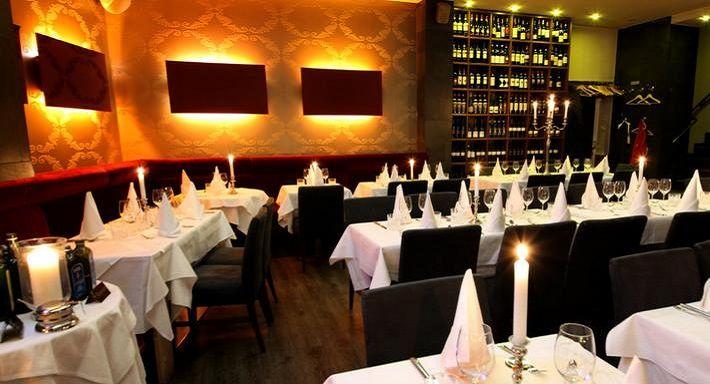 Das italienische Restaurant Bellucci am Adenauer Platz ein kleines stilvolles Lokal, welches mit seiner moderner Einrichtung und zugleich gemütlicher Atmosphäre besticht.   Jetzt online reservieren: https://www.quandoo.de/bellucci-restaurant-bar-19?TC=DE_DE_PIN_10000004_10000337&utm_source=facebook&utm_medium=social&utm_campaign=DE_DE_PIN_10000004_10000337