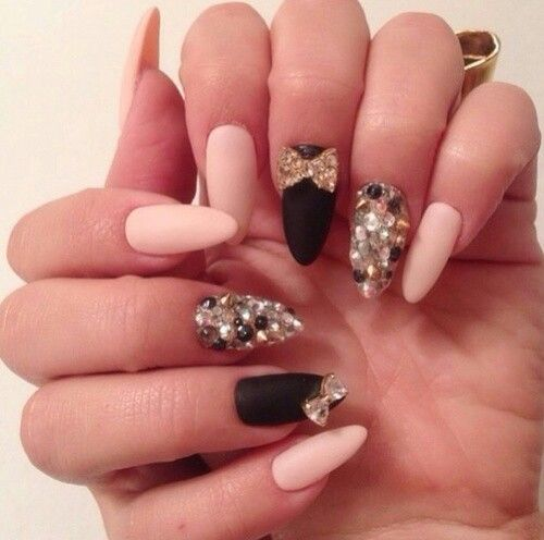 Very cute stiletto with a bow an rhinestones are very cute if its ...