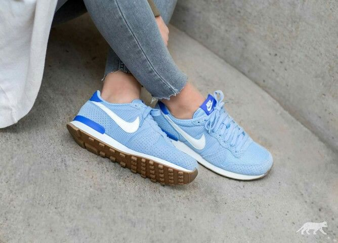 nike internationalist 35.5