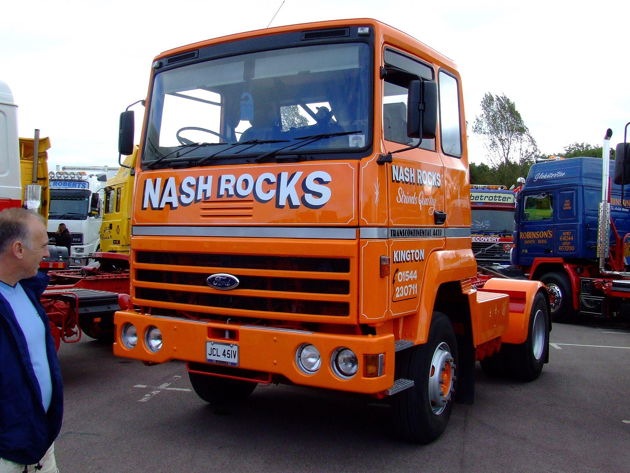 Nash rocks ford transcontinental OLDTIMER TRUCKS