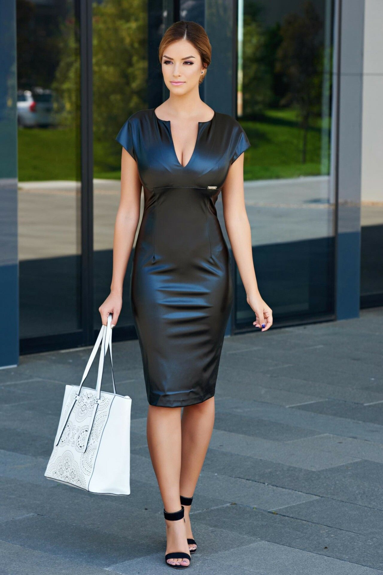 Sexy Leather Dresses -12 Stylish ways to Wear Leather Dress pics