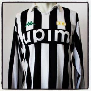 Roberto Baggio goal for Juventus against Barcelona