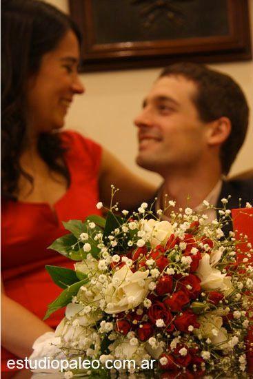 RAMO DE JAZMINES,MINI ROSITAS SPRAY,GYSOPHILAS,CON CINTA DE RASO BLANCA... IDEAL PARA CIVIL... #ramosdenovia  #novias #casamientos