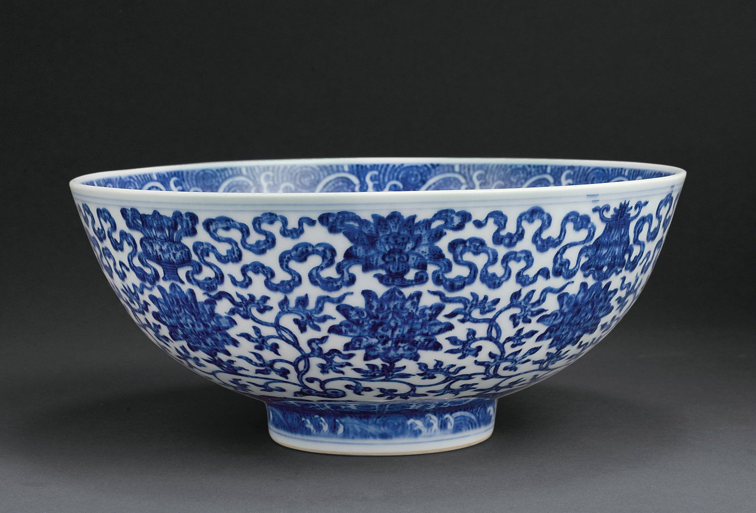 A Large Blue And White Bowl Mark And Period Of Qianlong 1736 1795 White Bowls Blue And White Porcelain Blue