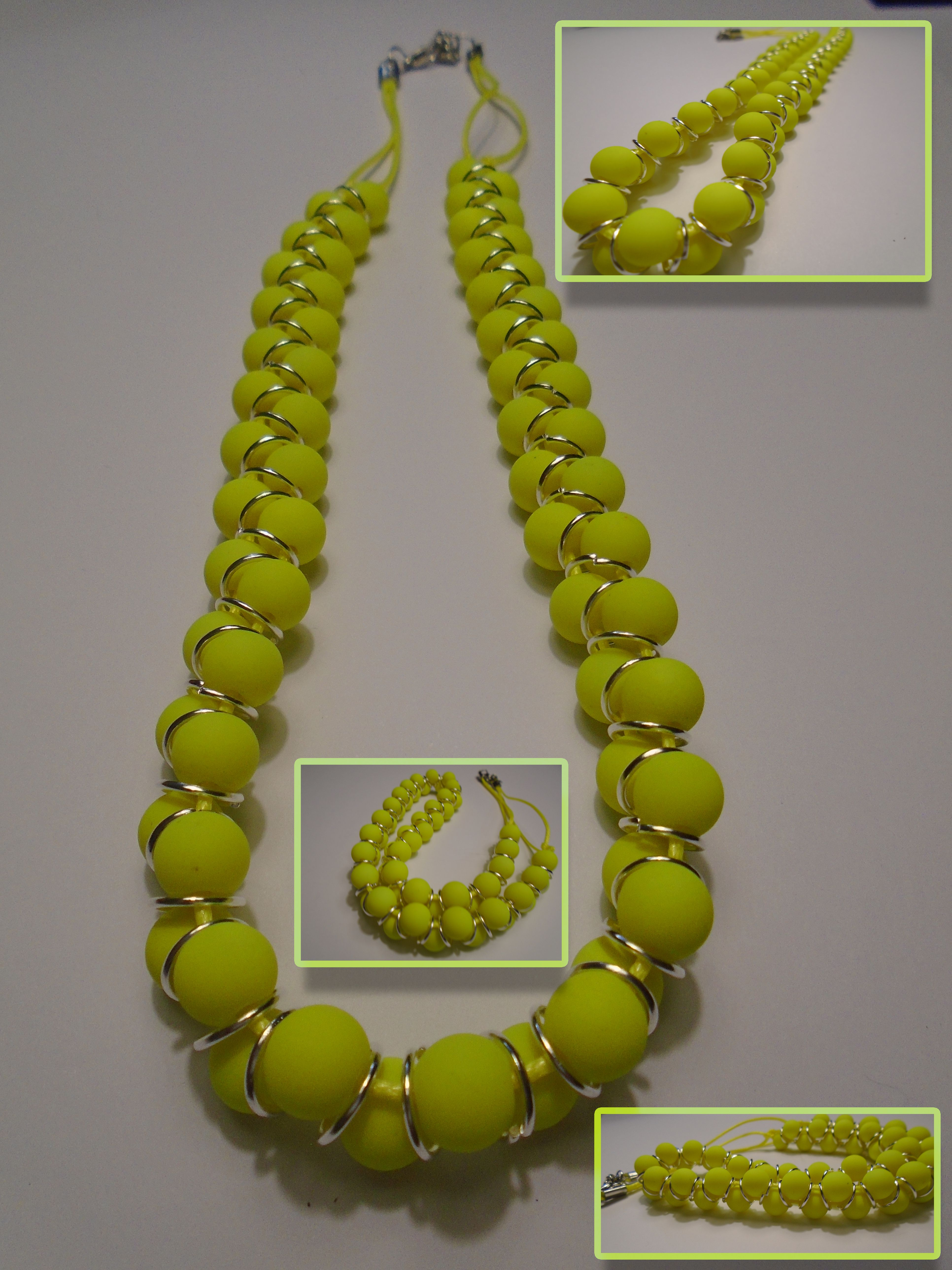 a651adc86567 Collar con bolas grandes de color amarillo unidas por anillas ...