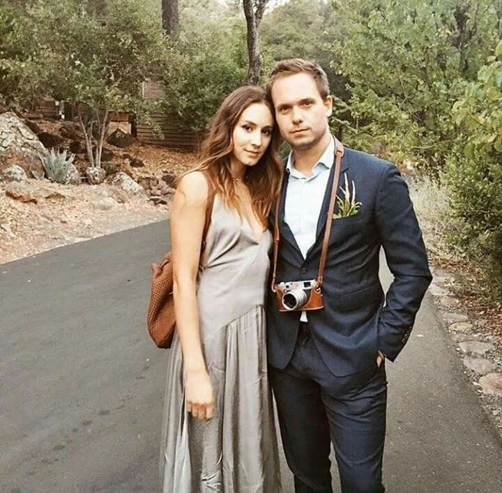 Pin By Silver Ivy On Troick Cute Celebrity Couples Troian Bellisario Celebrity Couples
