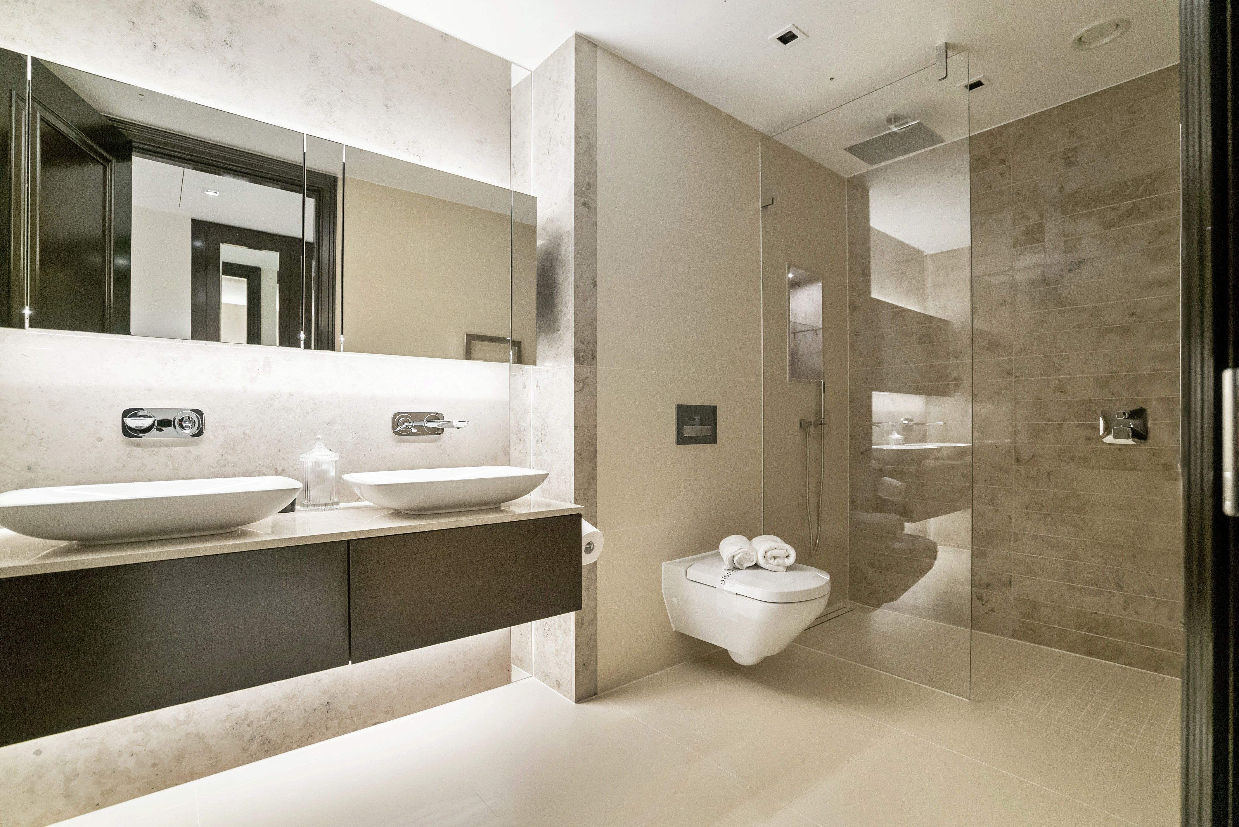 Achieve A Hotel Style Bathroom In Your Own Home At The City House Collection In Kensington Row With Bespoke Sto Bathroom Styling Chic Bathrooms Small Bathroom