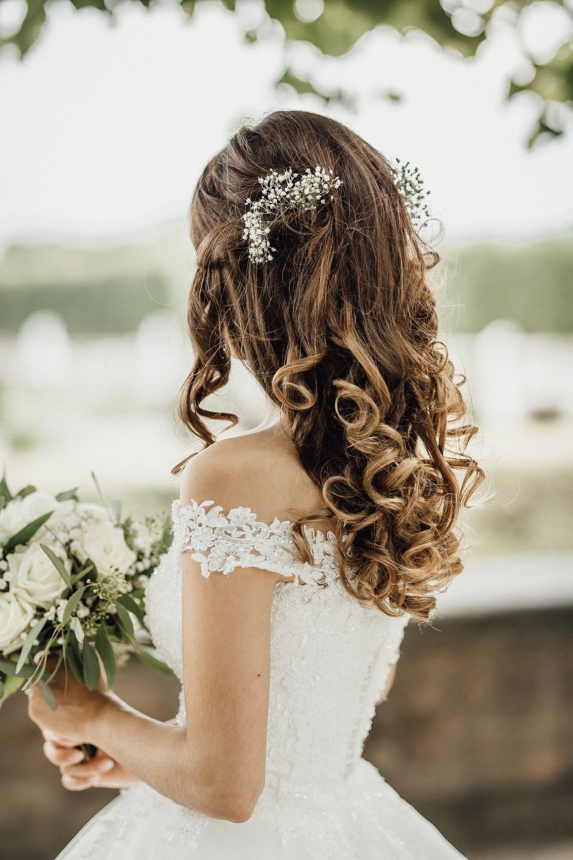 Beautiful Wavy Bridal Hair Larissa Sydekum Photography Flower Accessories Offene Brautfrisur Locken Brautfrisur Frisuren Hochzeit Hochzeitsfotograf
