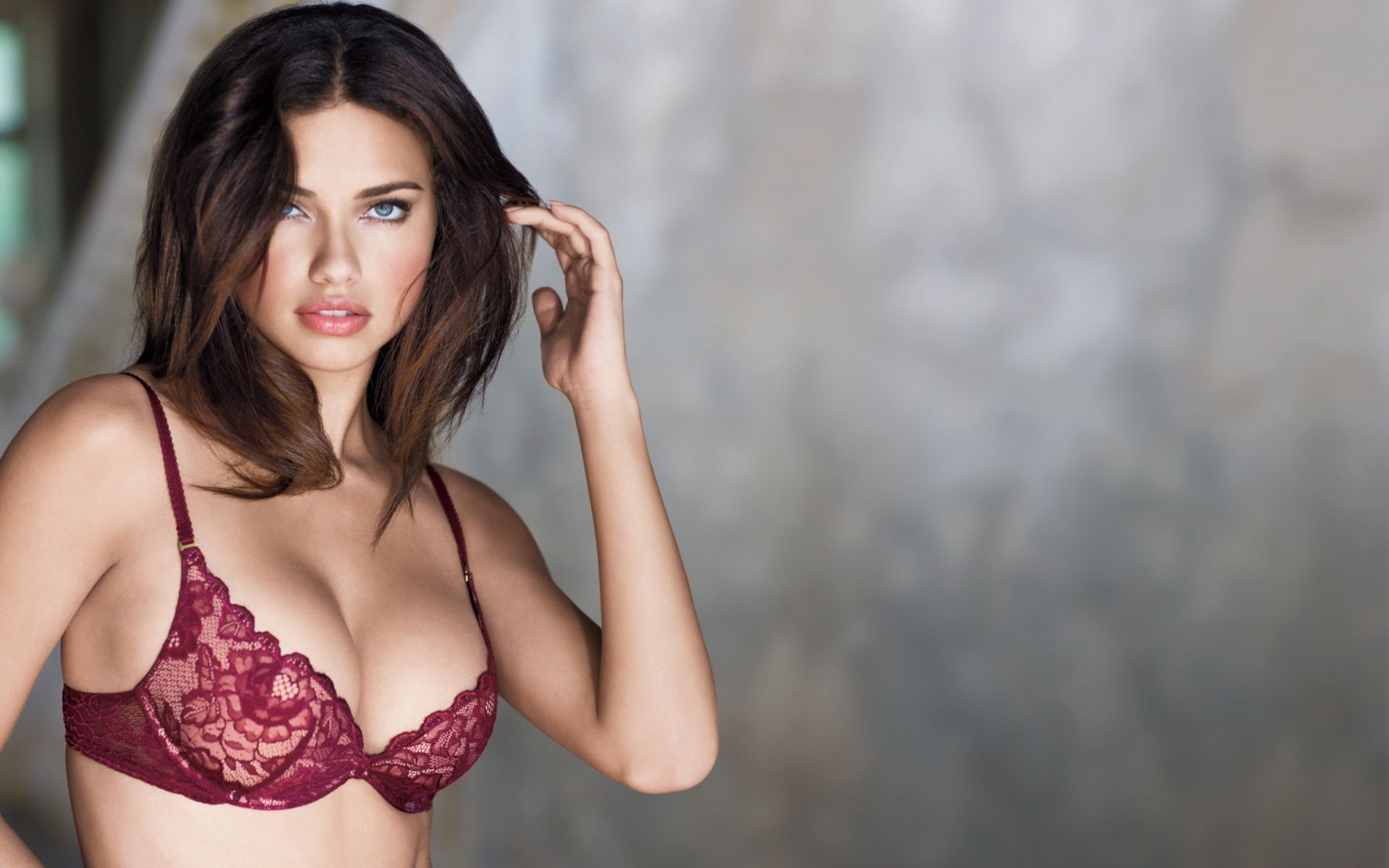Adriana Lima HD Wallpapers Pictures