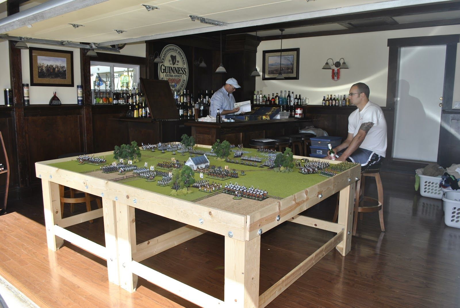 Man Cave Storage Wars : Love the room table could do with some work and
