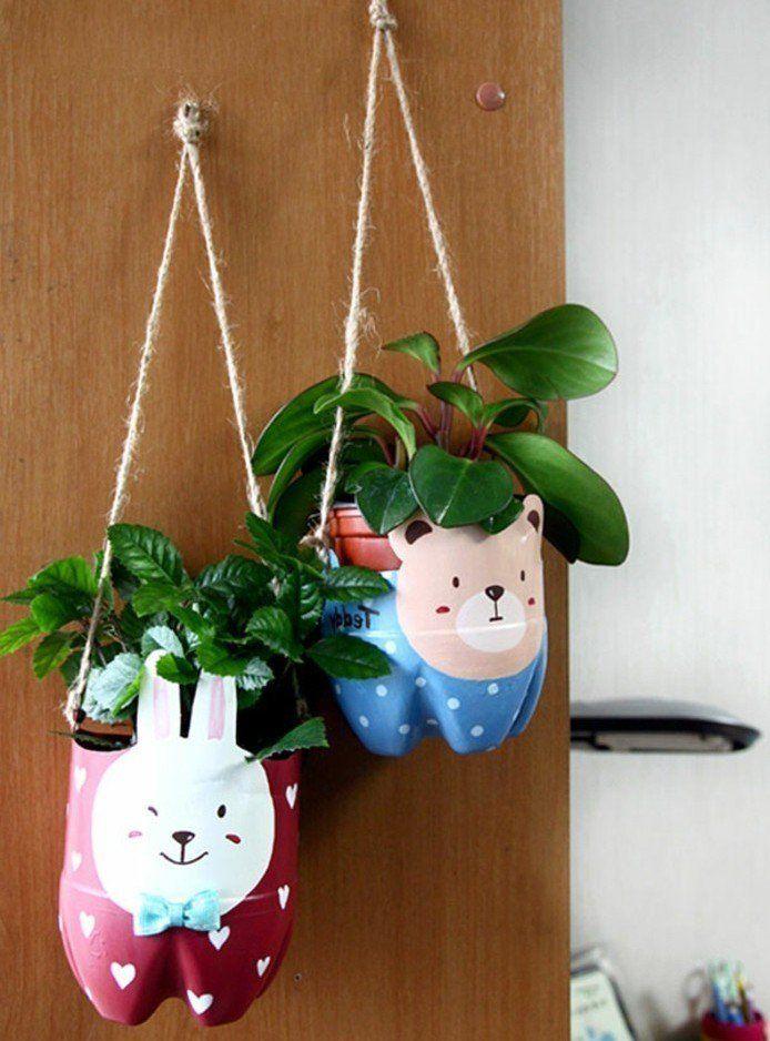 que faire avec des bouteilles en plastique 54 super id es de reyclage pots de fleurs en. Black Bedroom Furniture Sets. Home Design Ideas