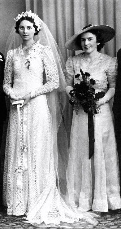 1940 Women Fashion Wedding Dresses