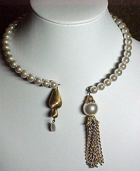 Faux Pearl Memory Wire Necklace - I wouldn\'t use pearls, but I can ...