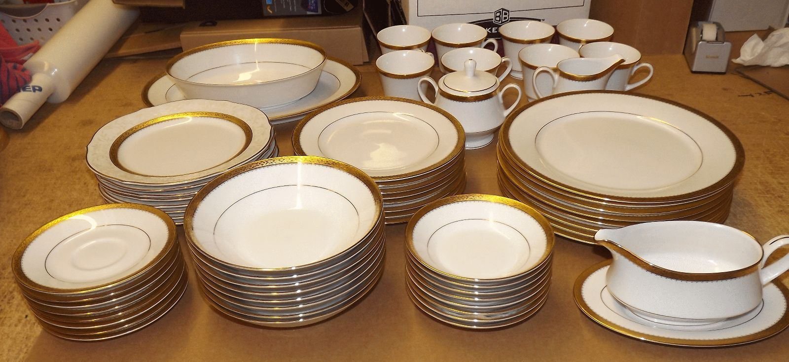 Noritake Essex Gold Dinnerware Service for 8 picclick.com
