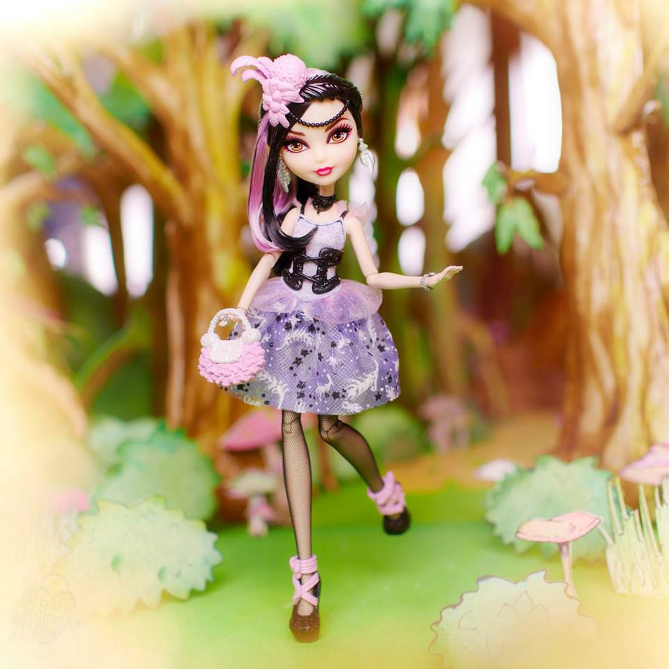 Ever After high doll  Duchess swan