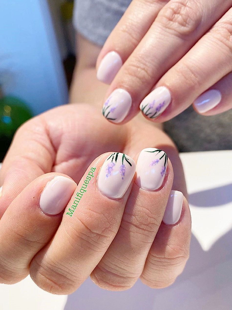 40 Flowers Nails Design Trends For Spring 2020 Flymeso Blog In 2020 Nail Designs Spring Purple Nail Designs Lavender Nails