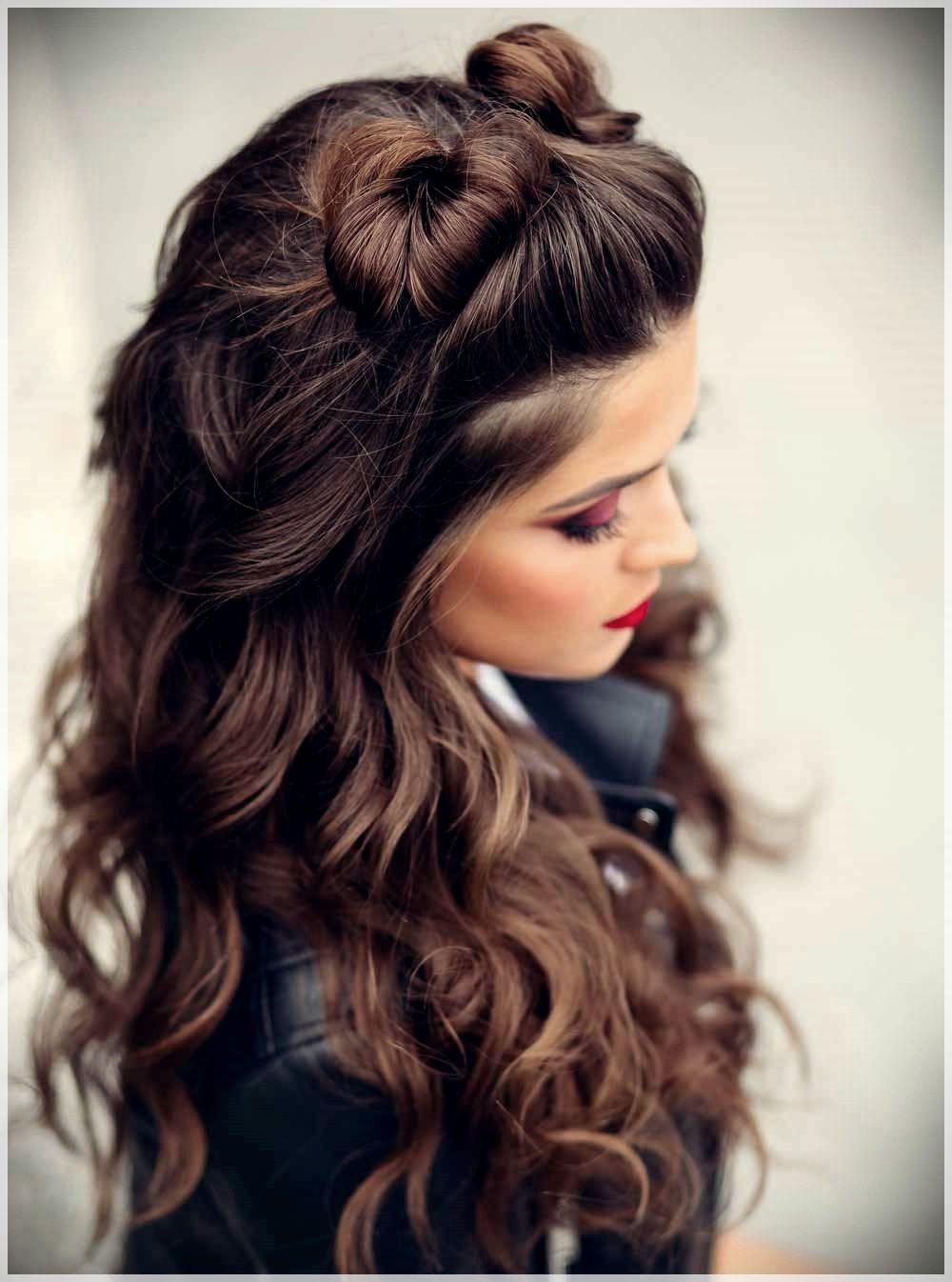Hairstyles Autumn Winter 2019 Photos And Ideas Blonde Highlights On Dark Hair Hair Styles Dark Hair With Highlights