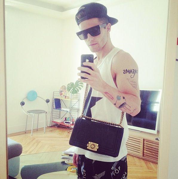 0e8399e2f3ec Pelayo + Chanel boy bag | Street Looks I Dig//MAN in 2019 | Mens ...