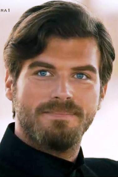 Kivanc Tatlitug As Kurt Syeit In Turkish Tv Series Kurt Seyit Ve Sura 2014 Beautiful Men Gorgeous Men Handsome Men