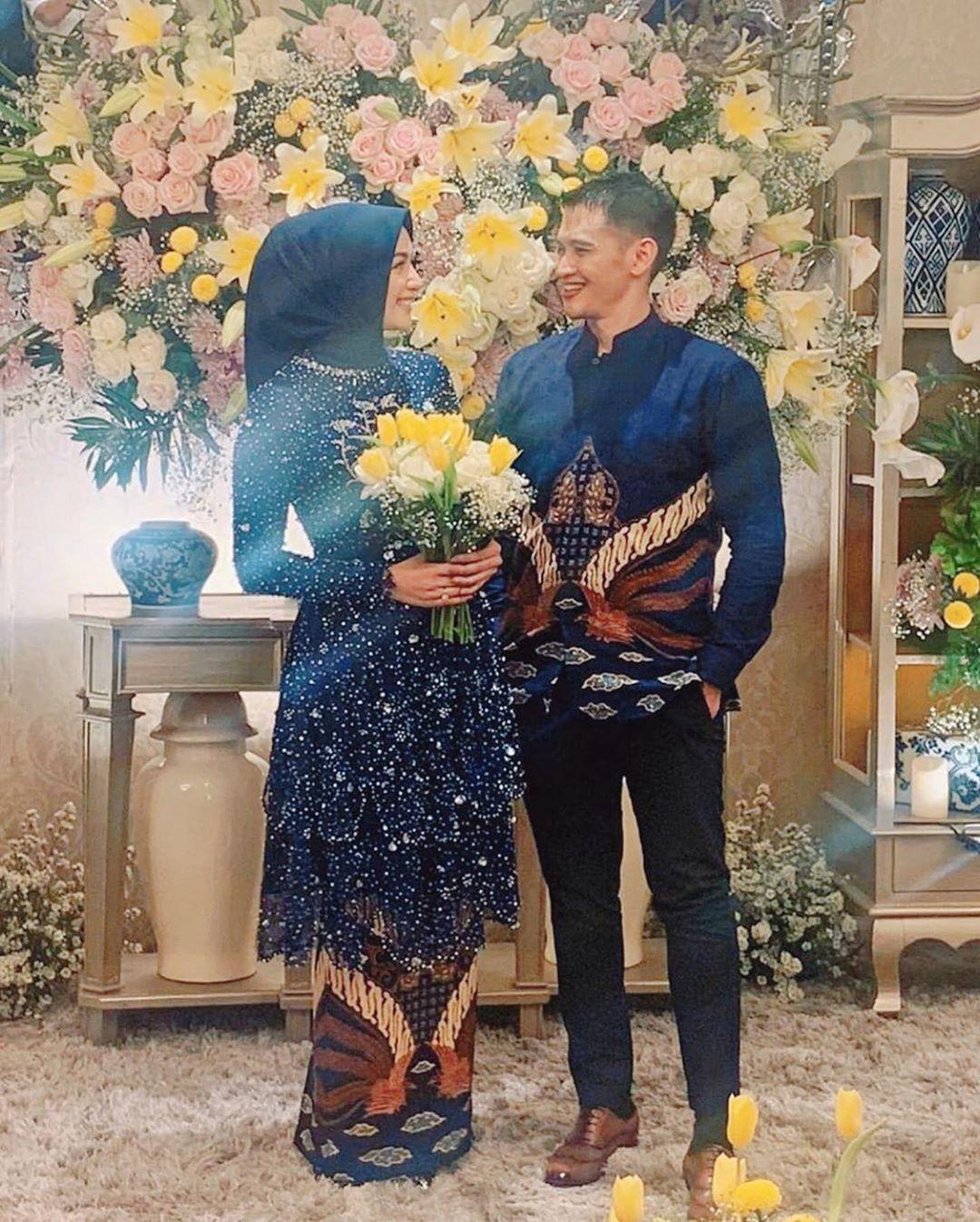 Baju Lamaran Couple Terbaru