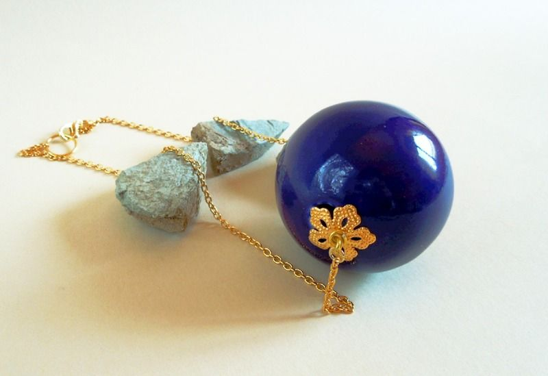 #Midnight #blue #glass #sphere #necklace Collana grande sfera di vetro blu di Tuttosicrea su DaWanda.com