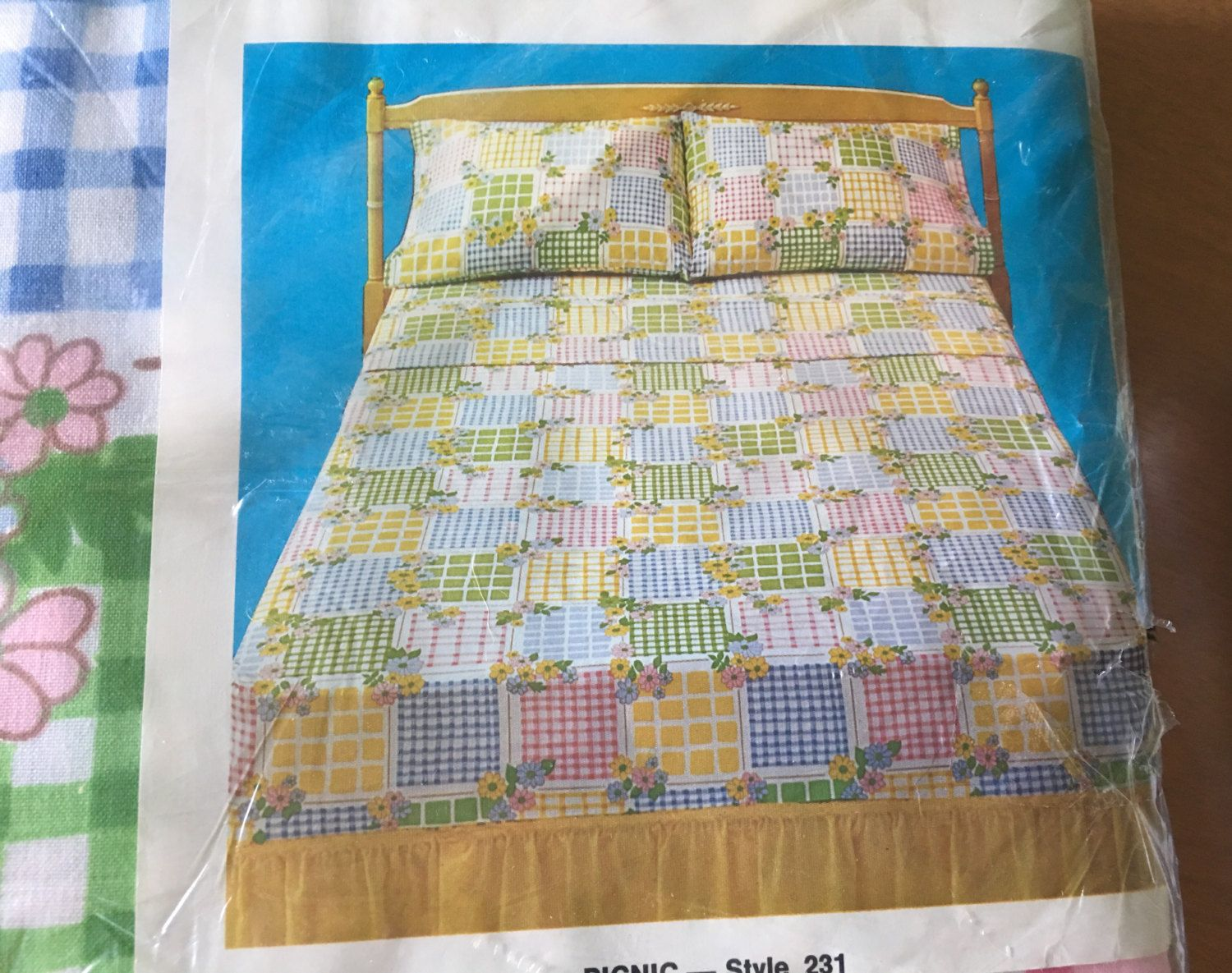 Patchwork bed sheets patterns - Vintage 1975 Cannon Monticello Picnic Pattern Gingham Floral Patchwork Print Bed Sheets