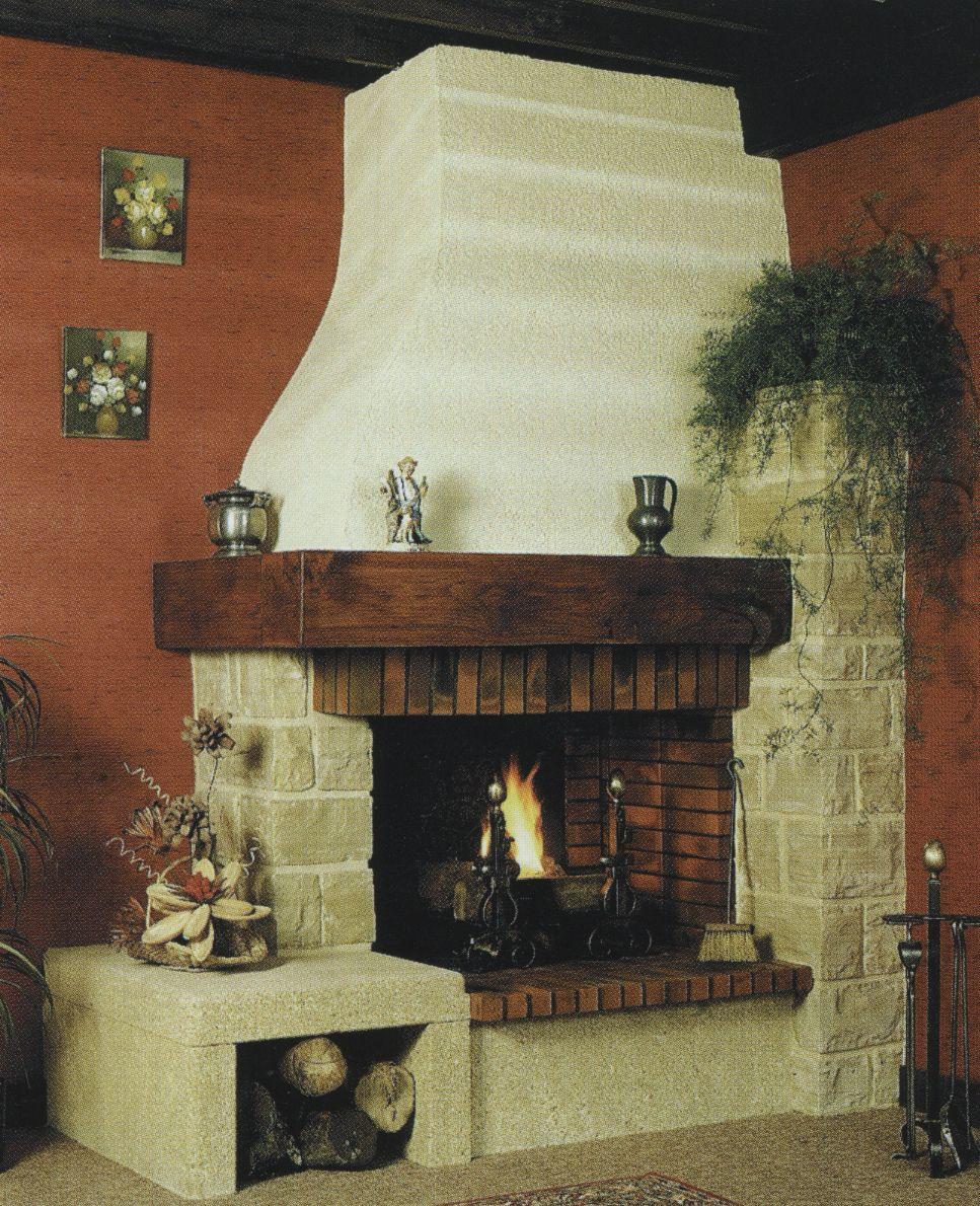 cheminée sur mesures rustique foyer ouvert pierre et poutre bois