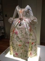 Resultado de imagem para isabelle borchgrave paper dresses