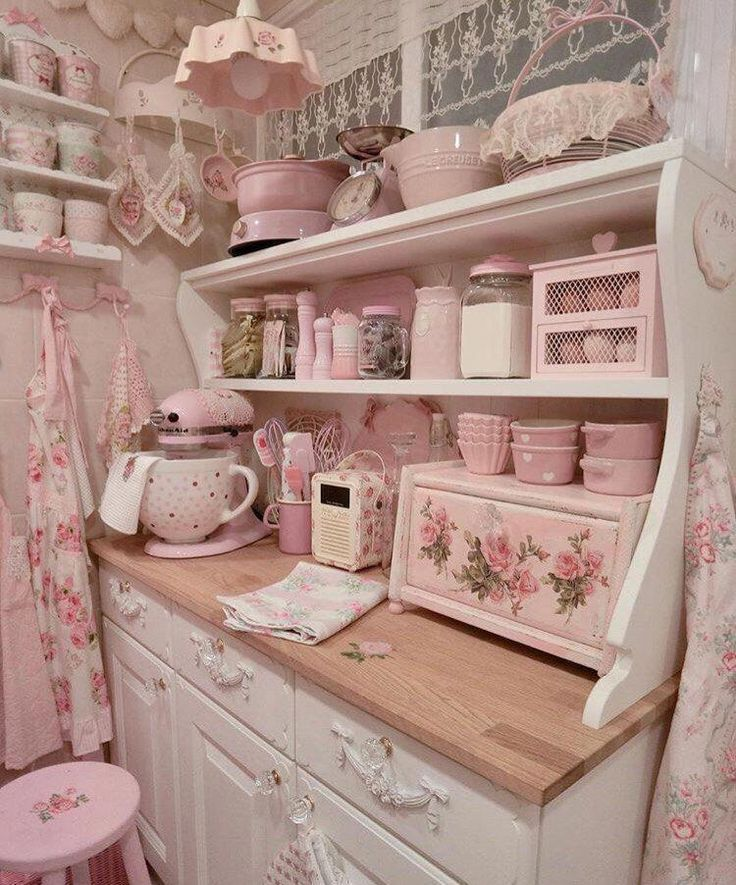Most beautiful pink kitchen Shabbychickitchen kuche