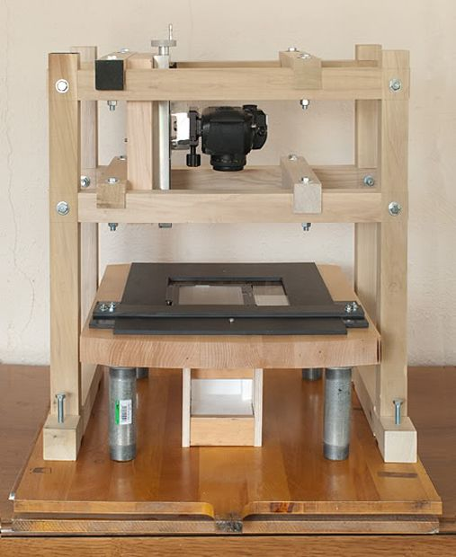 High Res Diy Film Scanner Made From A Dslr Lumber And An Arduino Scanner Arduino Diy Camera