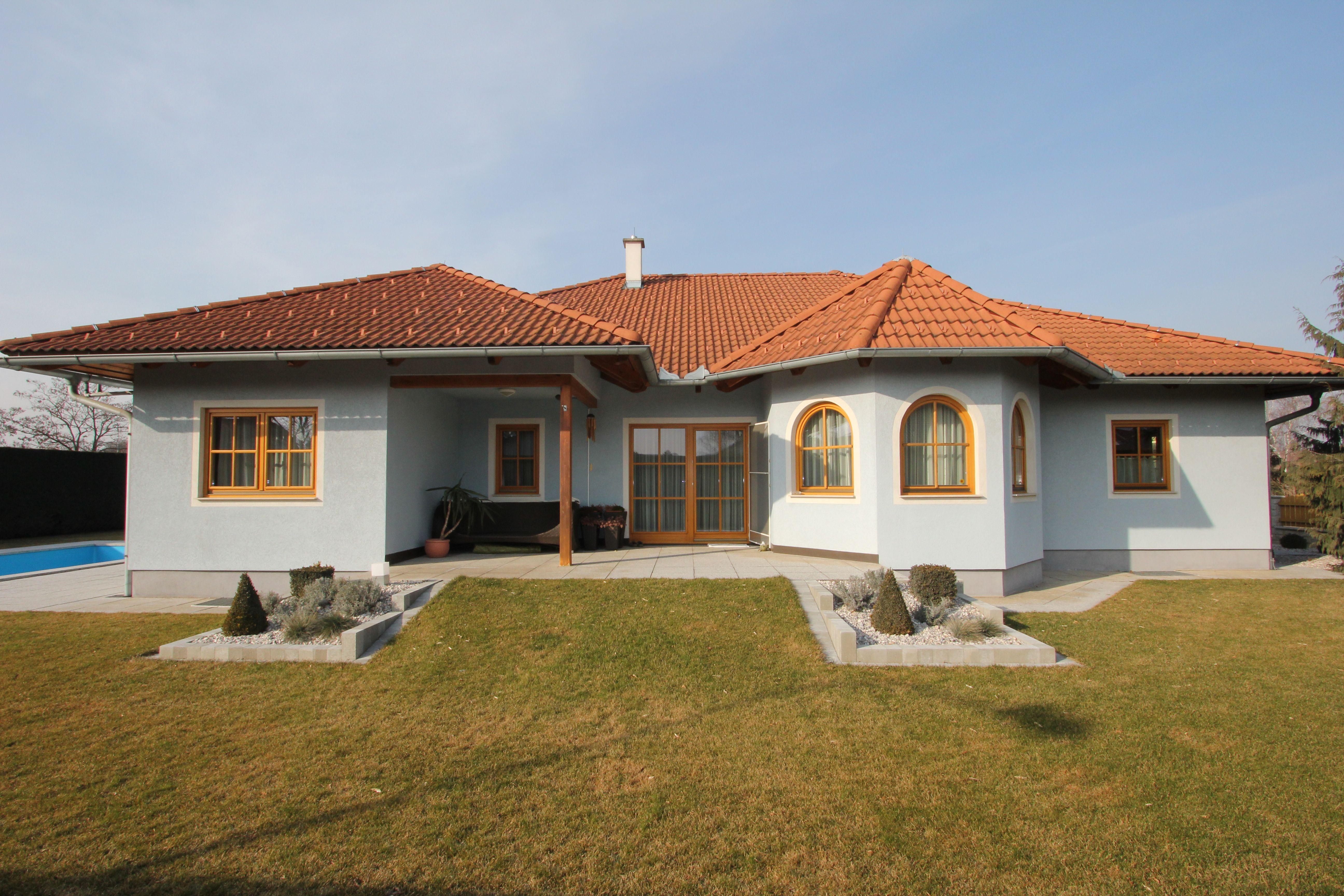Einfamilienhaus mit Pool in Sollenau, Bezirk Wiener