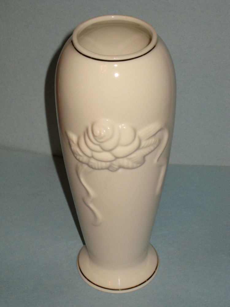 Lenox Rose And Ribbon Vase Classic Ivory Gold Trimmed Never Used
