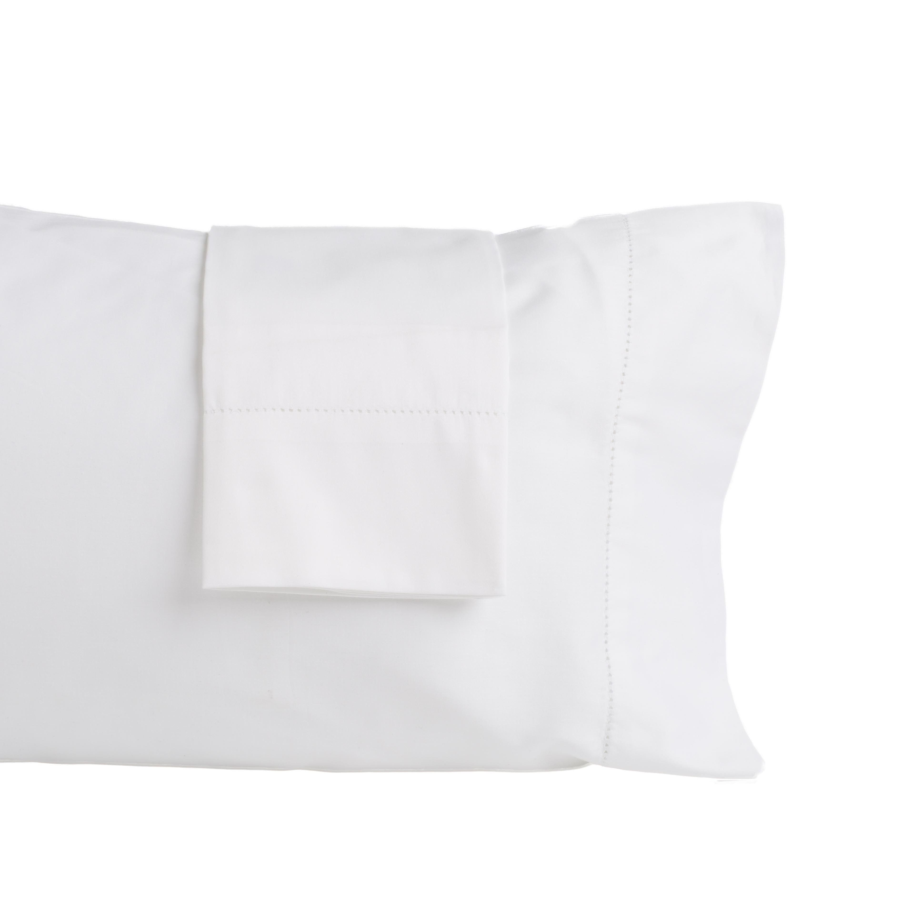 Quinn collection thread count cotton rich luxury pillowcases
