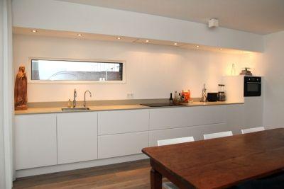 Strakke Witte Keuken : Strakke witte keuken in oisterwijk extra diepe cm kasten en