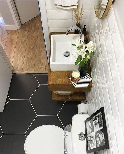 10+ Brilliant Light & Bright RV/Camper Bathroom Remodel Ideas #tinyhousebathroom