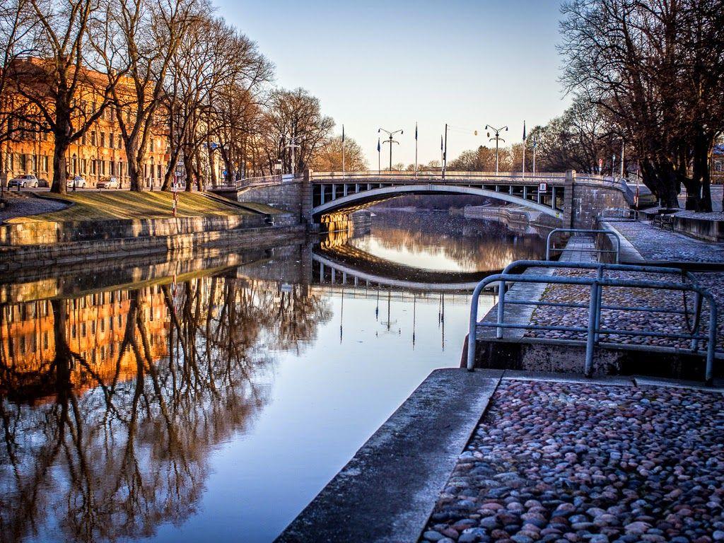 Tuulen naapurina, Turku