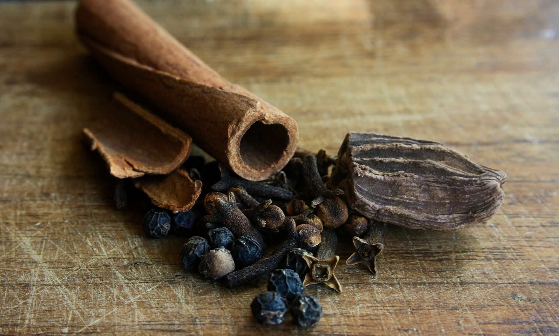 3 Surprisingly Cancer Fighting Herbs From The Kitchen Healthy U Turn Spices Cinnamon Bark Essential Oil Indian Spices
