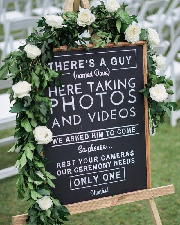 How To Make Sure Your Guests Get The Unplugged Memo Unplugged Wedding Wedding Favors Wedding Signage