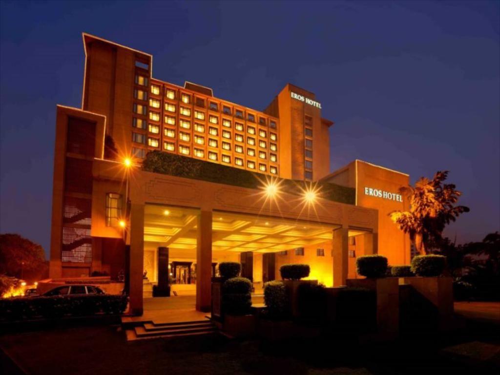 Enjoyable Blooms Is Best Buffet Restaurants In South Delhi Eros Hotel Interior Design Ideas Pimpapslepicentreinfo