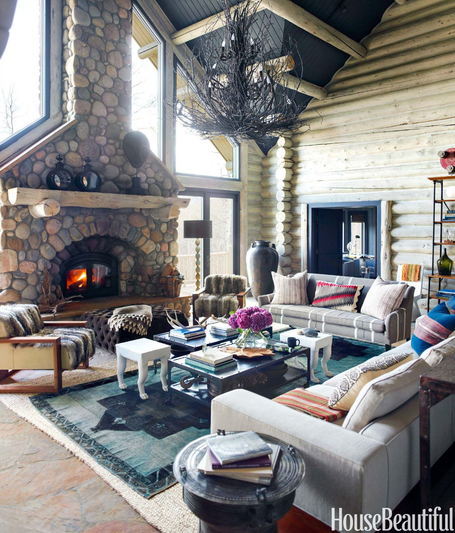 33 Ultra Cozy Bedroom Decorating Ideas For Winter Warmth: Ultra-cozy Rustic Log Cabin Nestled In The Rocky Mountains