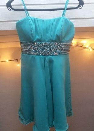 a64650aaab8f Modré hedvábné plesové šaty