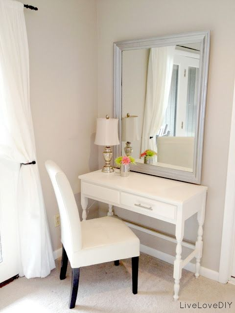A small vanity table or desk for the bedroom Top 10 Thrift Store - Bedroom Vanity Table